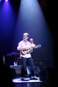 Richard Bennett with Mark Knopfler at the NAC in Ottawa