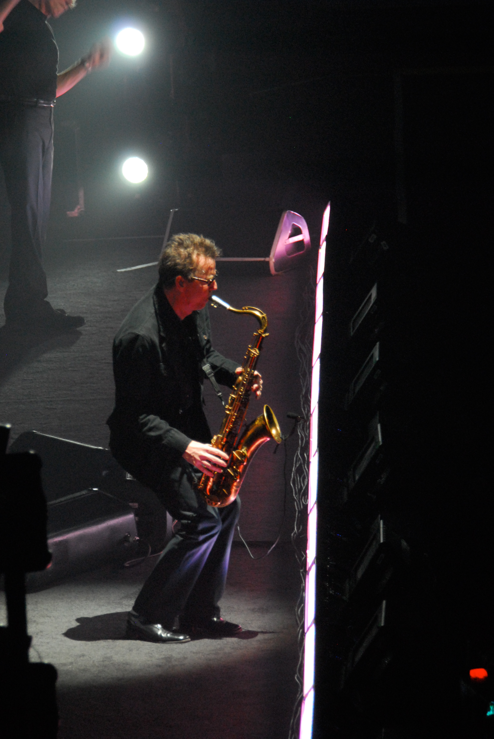 Ian Ritchie performing with Roger Waters Dark Side of the Moon